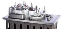 Giessereimodell aus Aluminium für ein Getriebegehäuse, CNC-Gefräst, auf Grauguss Modellplatte montiert.